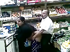 Turkish sales clerk fucks a regular customer in the supermarket